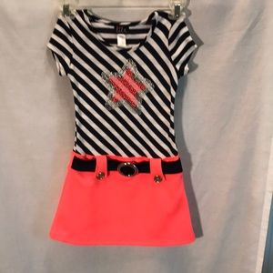 Lily girls size 6 dress drop waist Star on front